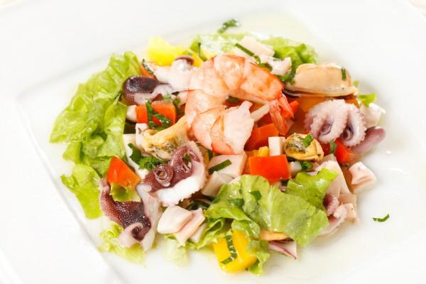 Рецепт                  Овощной салат с морепродуктами