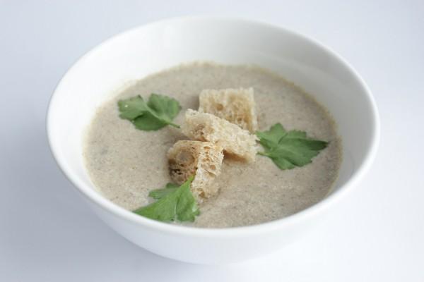 Рецепт                  Грибной крем-суп с гренками и зеленью