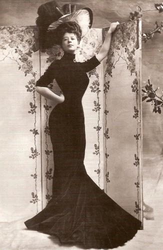 Камилла Антуанетта Клиффорд (1885 – 1971), театральная актриса бельгийского происхождения.