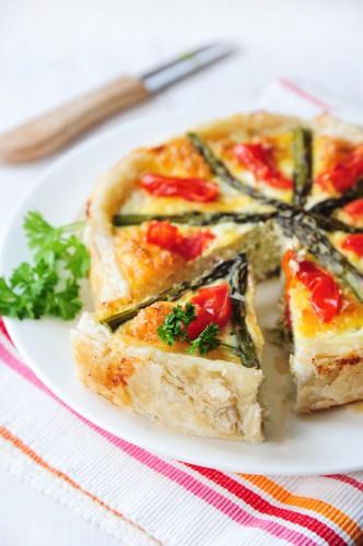 Рецепт                  Французский пирог с лососем и спаржей