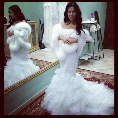 Алена Лоран выбирает свадебное платье