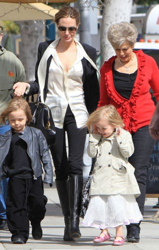Двойняшки Джоли и Питт