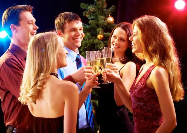 Новогодние поздравления в прозе для друзей