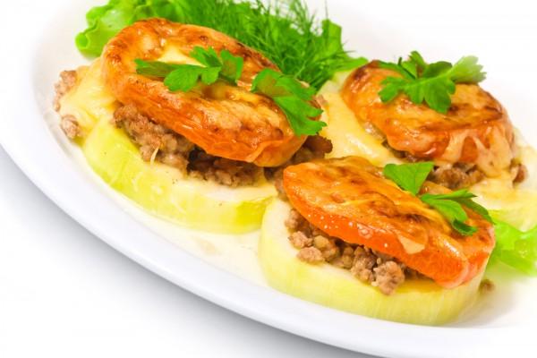 Рецепт                  Запеченные кабачки с мясным фаршем и помидорами