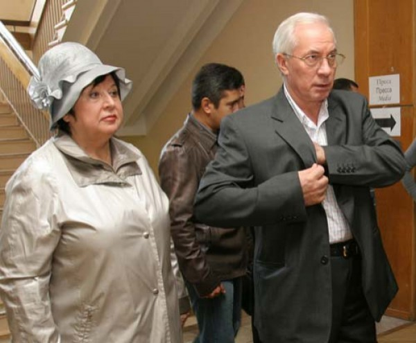 Николай Азаров очень редко выходит в свет с женой