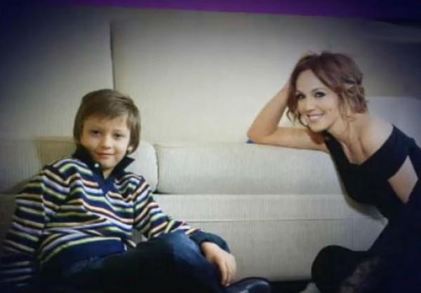 Альбина Джанабаева с сыном от Валерия Меладзе