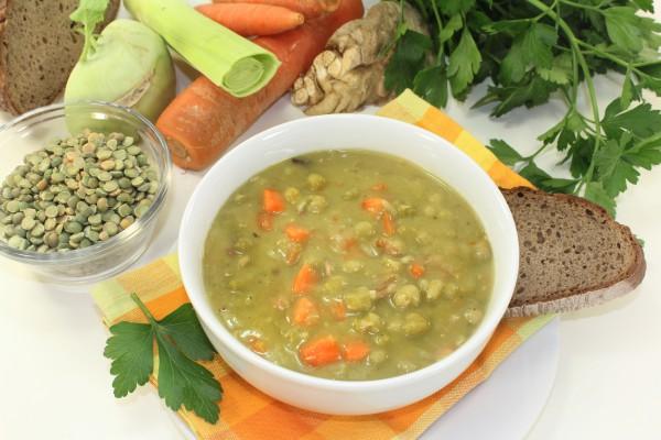 Постный суп из сушеного гороха