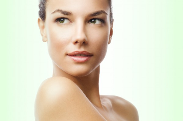 Здоровый образ жизни и правильный уход помогут тебе сохранить кожу молодой и здоровой на долие годы