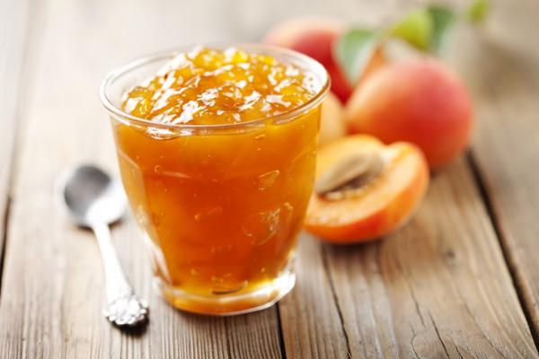 Как и что лечить с помощью абрикоса