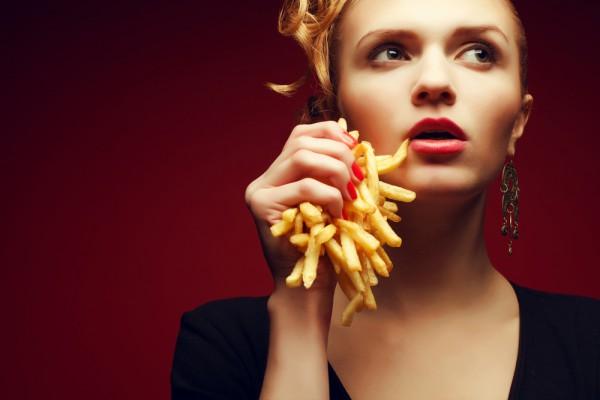 Жареная картошка убивает либидо, считают диетологи