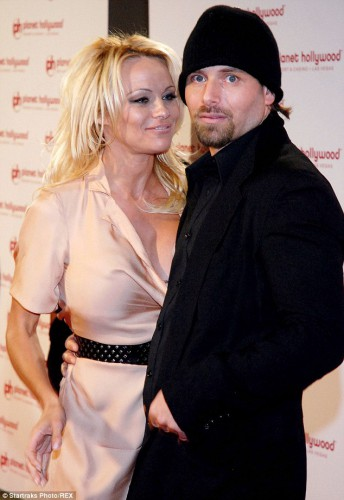 Памела Андерсон с бывшим мужем Риком Саломоном