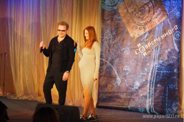 Наталья Подольская и Владимир Пресняков спели дуэтом на интститутской сцене