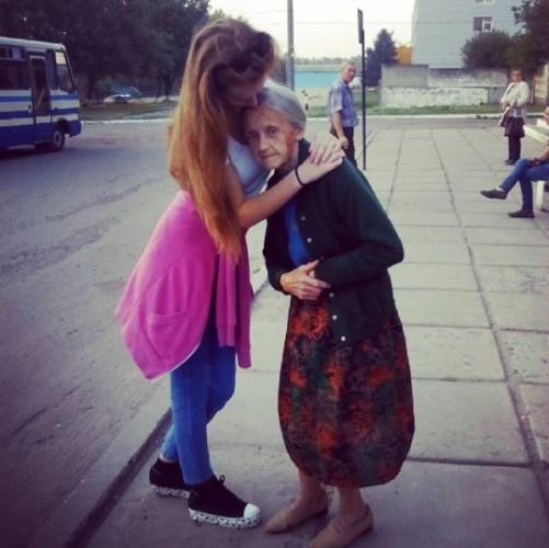 Анна-Кристина Прыхидько с бабушкой