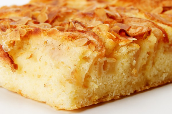 пироги з яблоками на воде