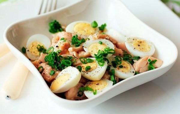 Салаты из перепелиных яиц - простые и вкусные рецепты