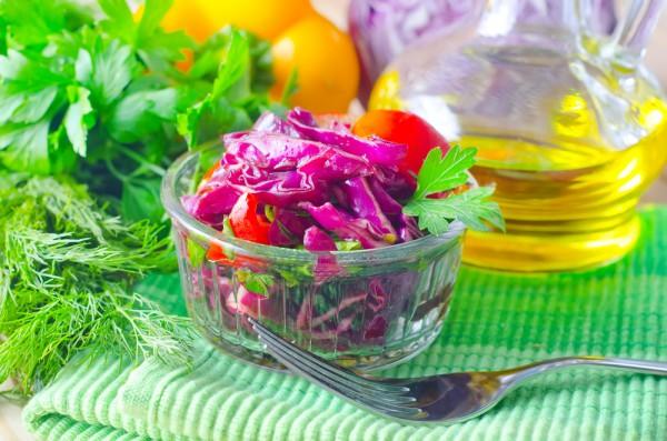 Рецепт                  Салат из красной капусты с помидорами
