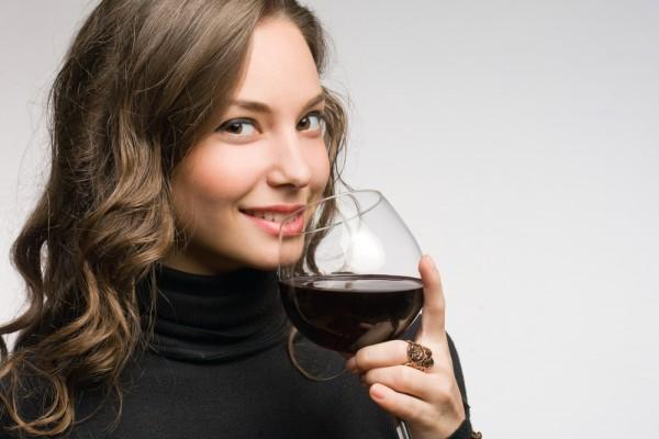 Ученые считают, что пить вино беременным необходимо