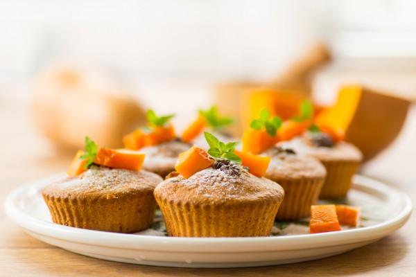 Тыквенные кексы можно подавать на завтрак или на десерт