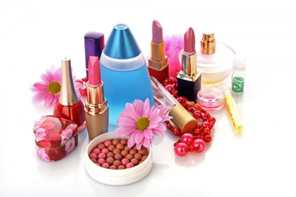 Химикаты, содержащиеся в косметических средствах, вредят нашему здоровью