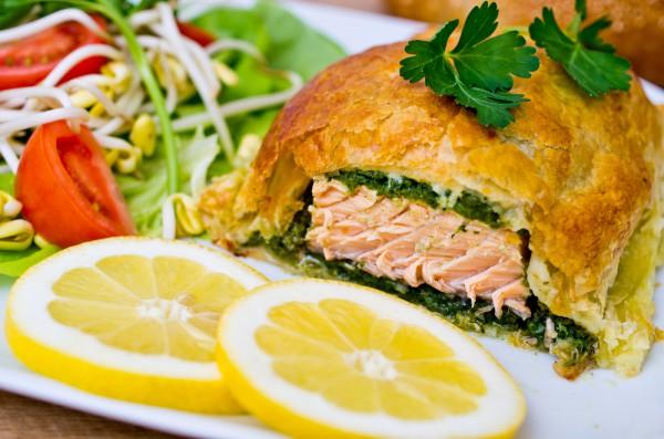 Рецепт                  Новогодние рецепты: Запеченный лосось в тесте