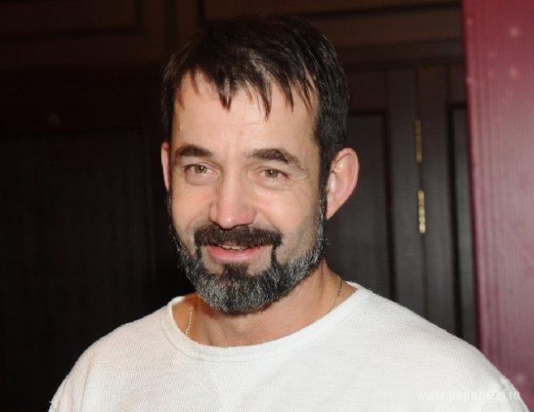 Дмитрий Певцов отрастил бороду