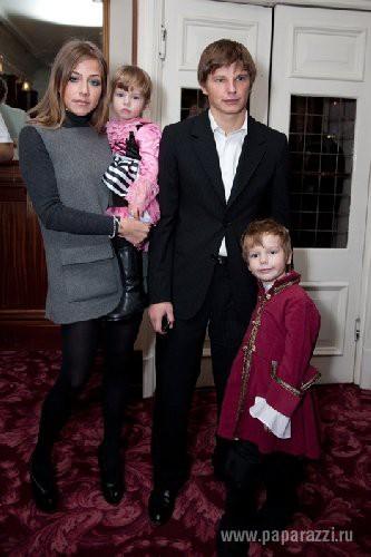 Футболист Андрей Аршавин с экс-женой и детьми
