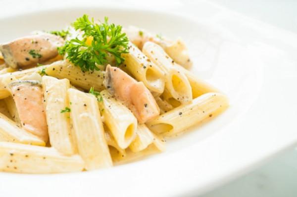 Макароны с лососем: паста карбонара