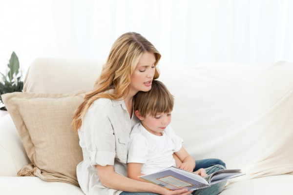 Ты можешь почитать малышу перед сном стихи о зиме для детей