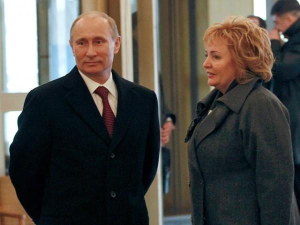 Владимир Путин объявил о разводе