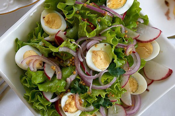 Рецепт салата с вареными яйцами