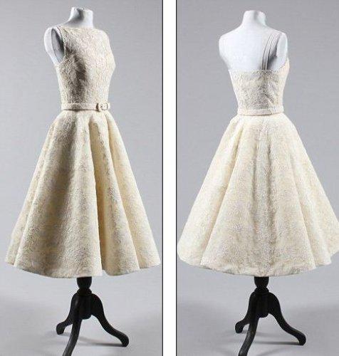 Продам модные платья