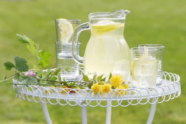 Лимонад давно стал классическим летним напитком