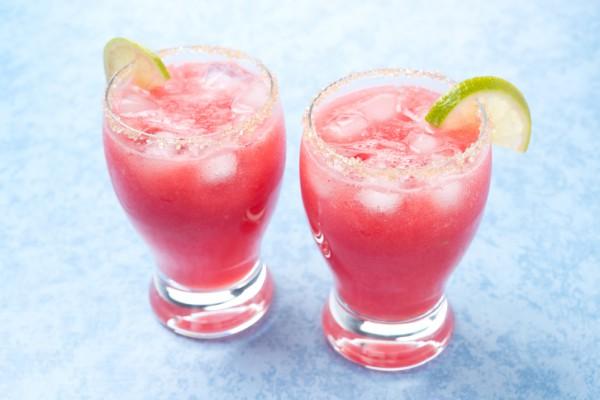 Летний коктейль из арбуза