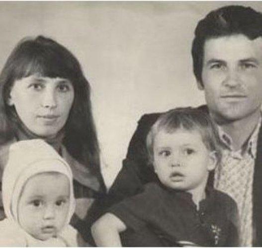 Дима Билан со своей семьей