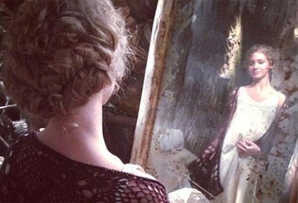 Кристина Асмус примерила беременный живот