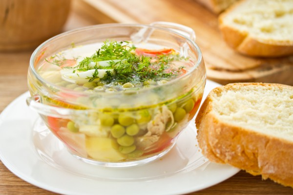 Рецепт                  Летний суп с зеленым горошком и яйцом