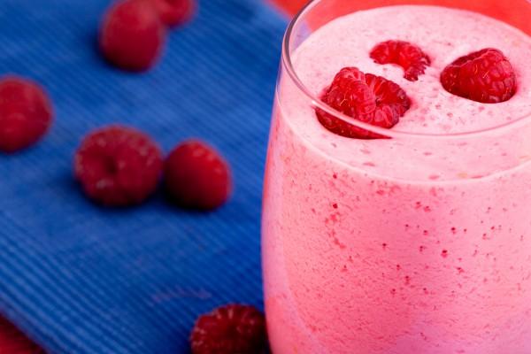 Рецепт                  Малиново-кефирный коктейль