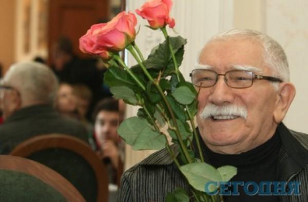 Армен Джигарханян поделился своим мнением о любви