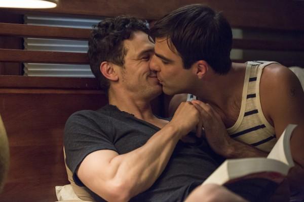 Видео как гомики целуются фото 459-434