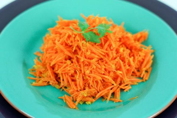 Постный салат из моркови