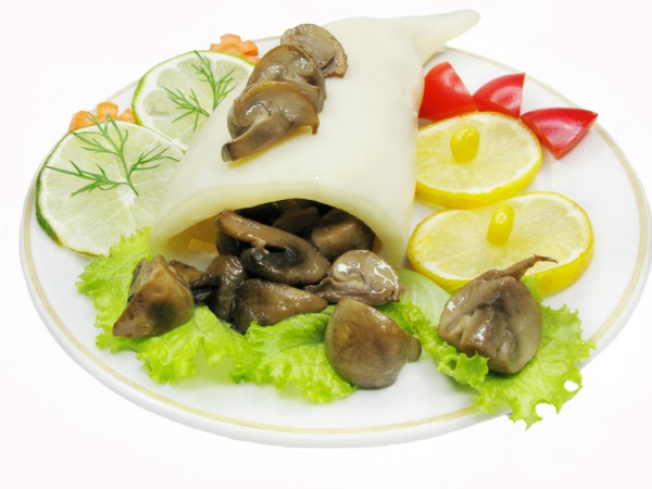 Рецепт                  Кальмары, фаршированные рисом и грибами