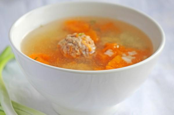 Рецепт                  Тыквенный суп с рисом и фрикадельками