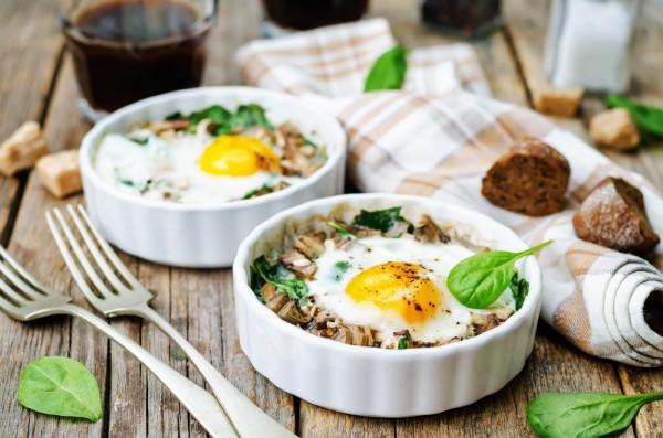 Запеканка из яиц с шпинатом