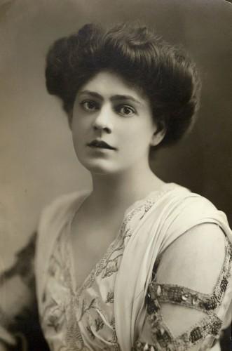 Этель Бэрримор (1879 – 1959), американская актриса театра и кино.