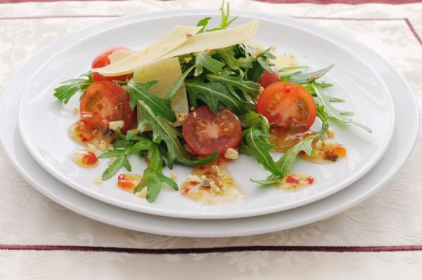 Новогодний салат с пармезаном