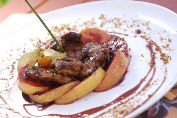 Рецепт                  Салат из куриной печени с яблоками