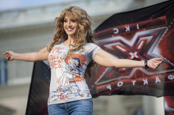 Х-фактор 4: Оксана Марченко, ведущая шоу, поддерживала всех участников