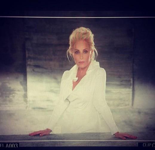 Таисия Повалий в новом клипе похожа на Шерон Стоун