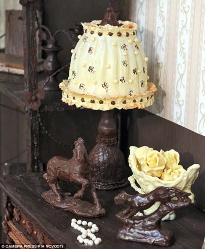14 апреля комнату планируют разобрать и угостить шоколадом посетителей