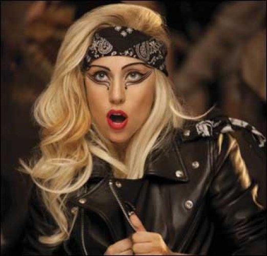 Lady Gaga стало тесно в Twitter